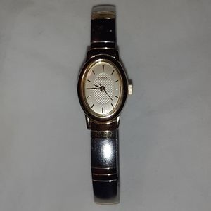 Timex Ladies Silver/Gold Watch Made 6/2005